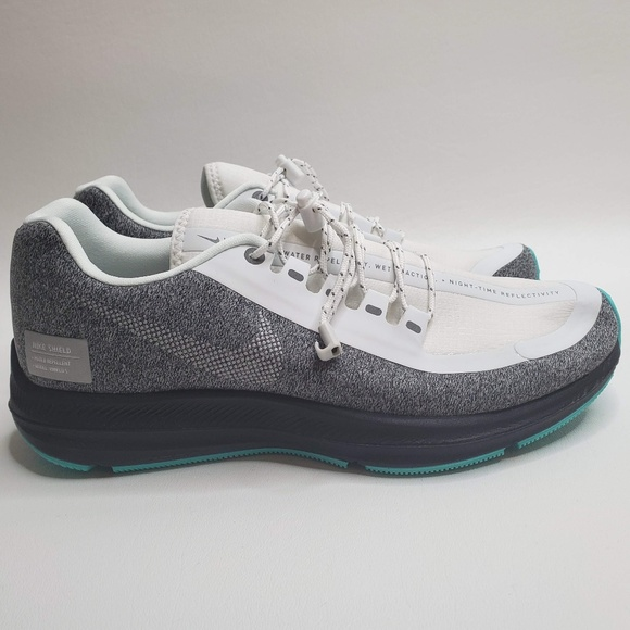 Pensativo portón Sacrificio  Nike Shoes | Nike Wmns Zoom Winflo 5 Run Shield Silver Sneaker | Poshmark